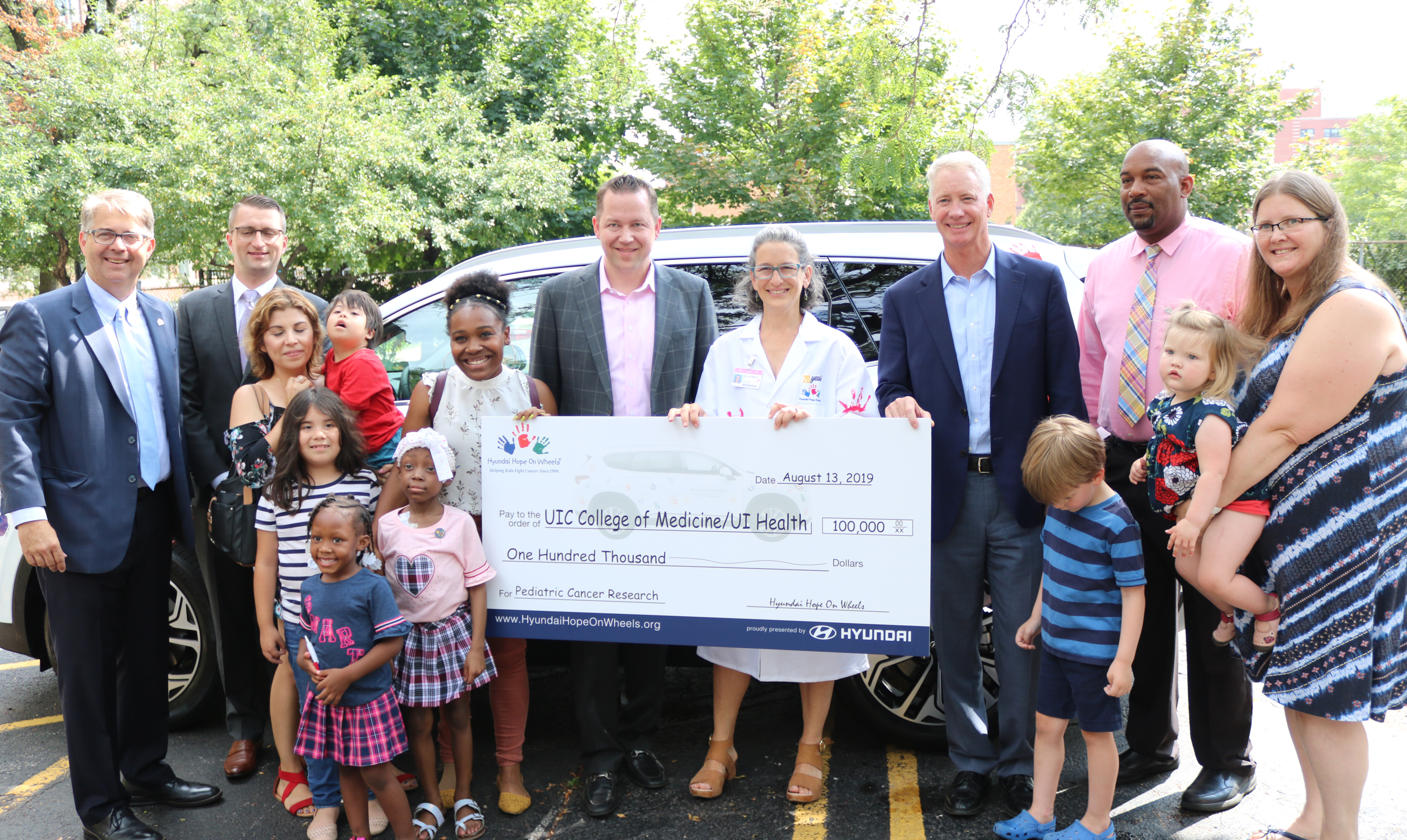 Hyundai bestows grant to fight pediatric cancer to UI Health