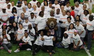 "Cancer survivors team up with Chicago Bears at ""Crucial Catch"" event"
